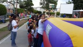Patty, trabajando con niños en el Festival Familiar...