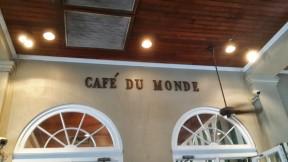 Café y Beignets... en Café Du Monde (por supuesto)